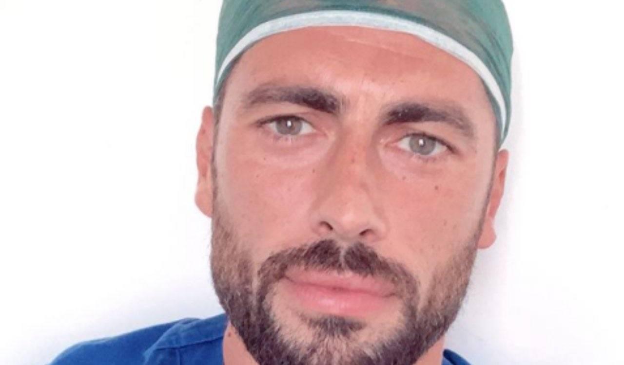 È il dottore più bello di Italia, curiosità e retroscena: chi é?