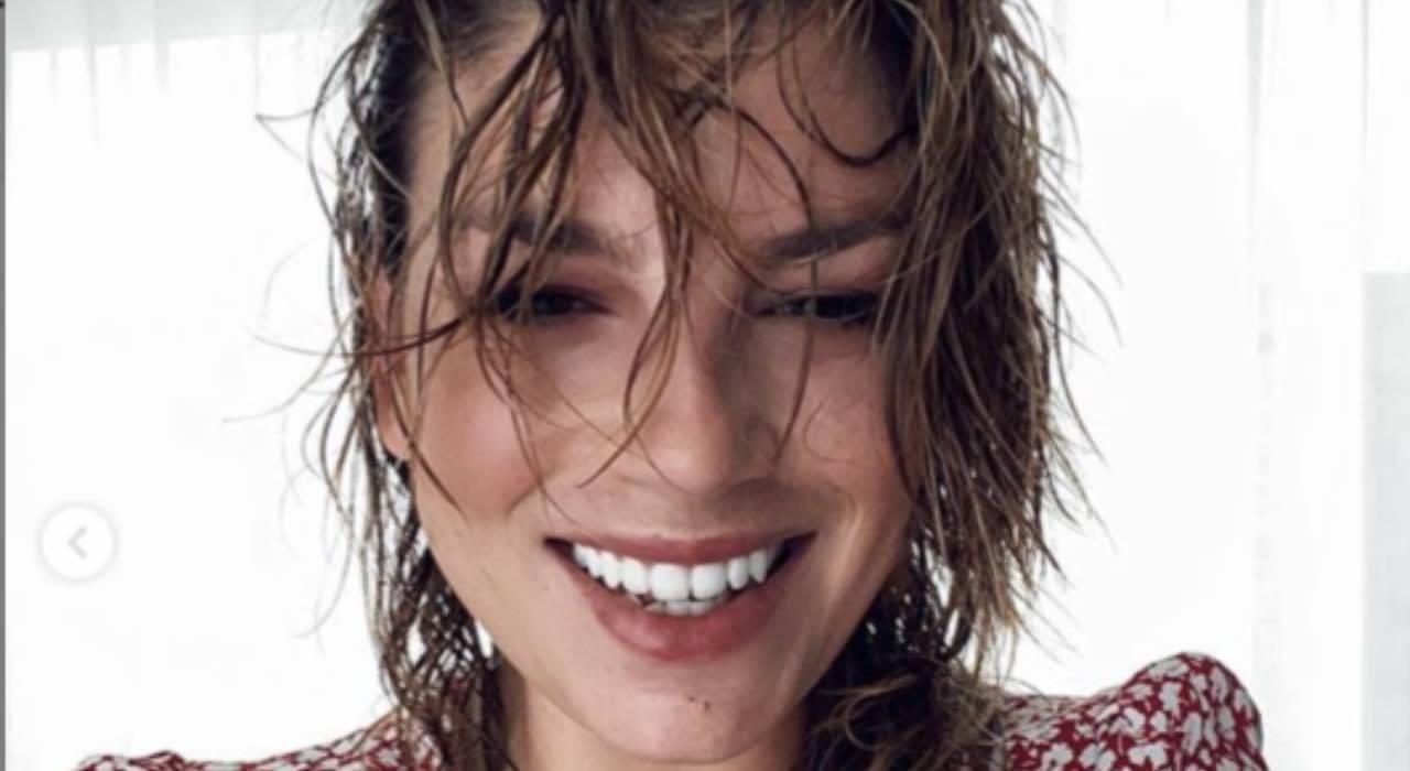 """Emma Marrone emozionata: fiori, bigliettino e """"sorpresa speciale"""""""