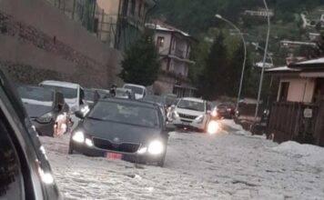 Grandine mai vista prima: paura e strade bloccate nella Berg