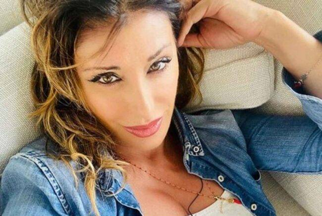 Sabrina Salerno (fonte da Instagram @sabrinasalernoofficial)