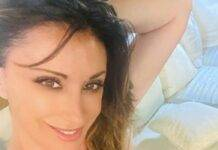 Sabrina Salerno madrenatura abbronzata: ma i fan sono cotti di lei