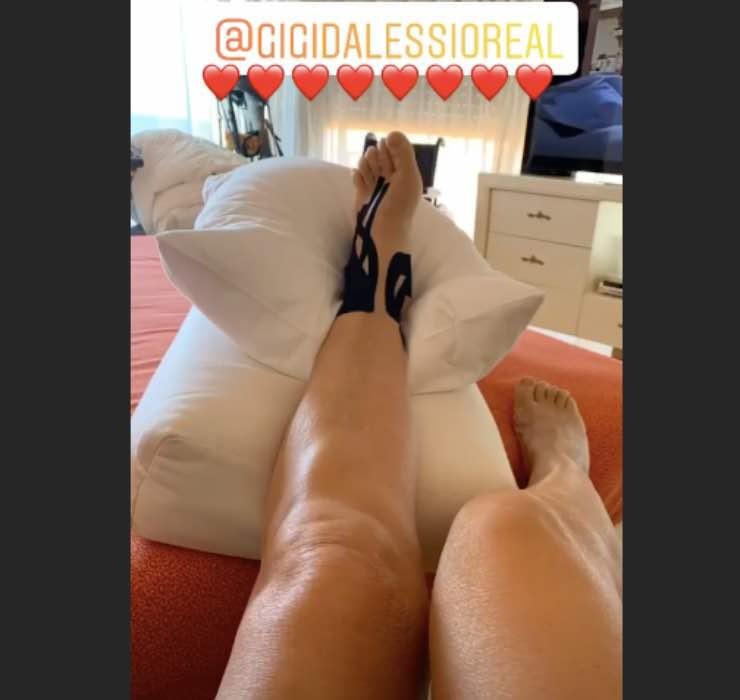 Mara Venier, l'incidente la blocca: l'aiuto arriva da Gigi D'alessio
