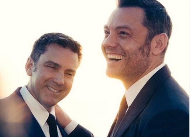 Tiziano Ferro e il marito Viktor (fonte Instagram @tizianoferro)