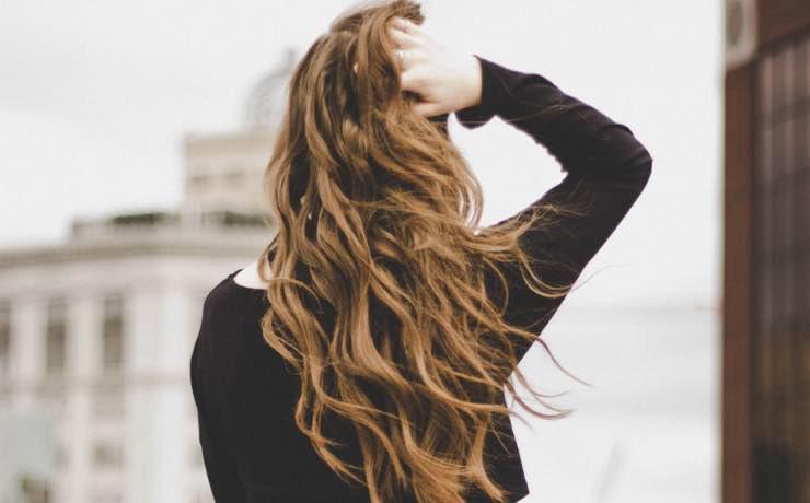 Come asciugare i capelli d'estate? Ecco i modi per non sbagliare
