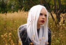 Capelli bianchi rimedi e cause: ecco perché compaiono a tutte le età