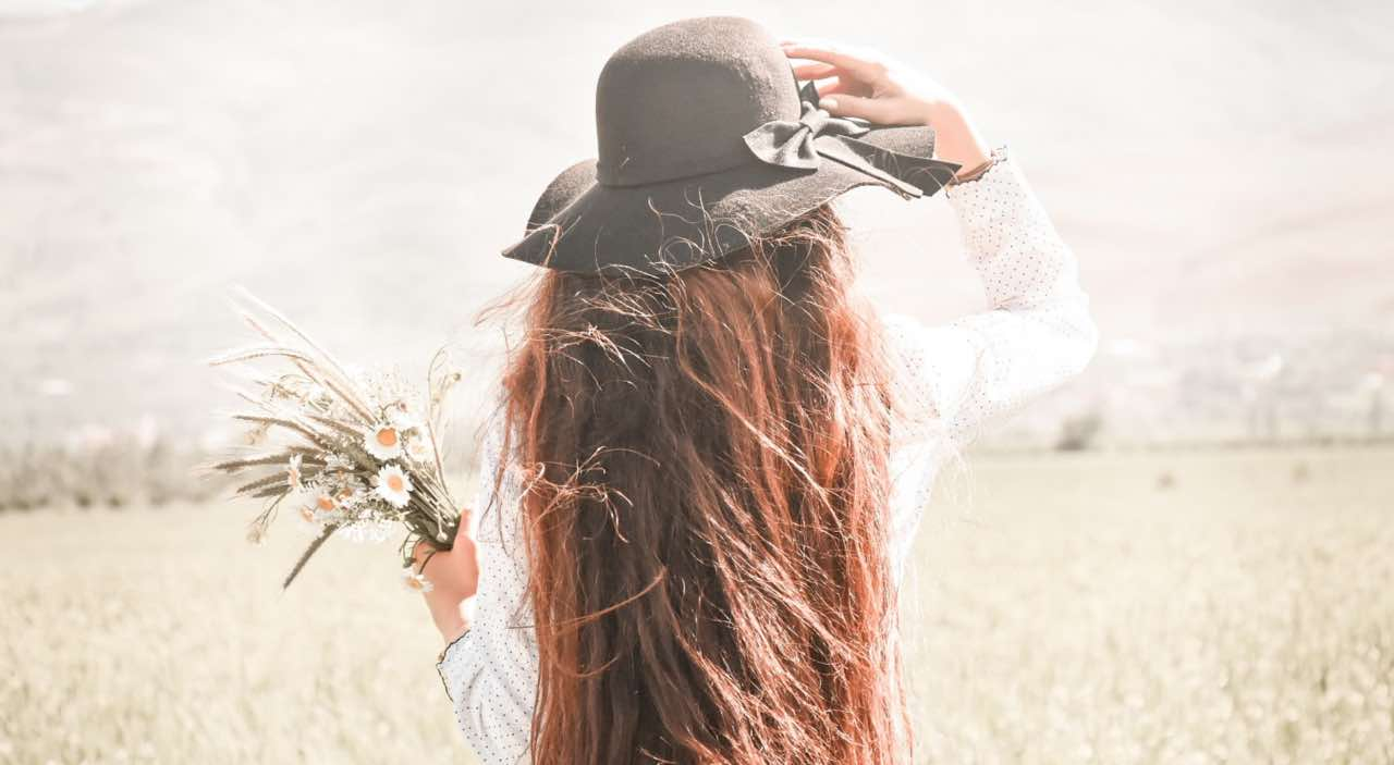 Come asciugare i capelli d'estate? Ecco i modi per evitare il phon