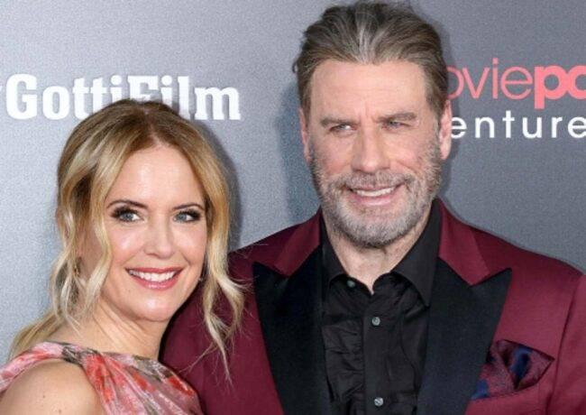 """John Travolta, il toccante addio all'amata moglie Kelly: """"Un"""