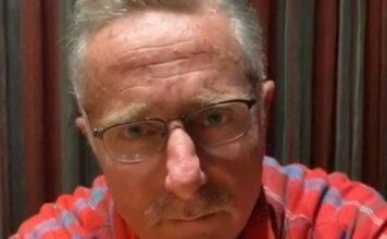 """Paolo Bonolis, """"Padre assente"""": pronto a recuperare come nonno"""