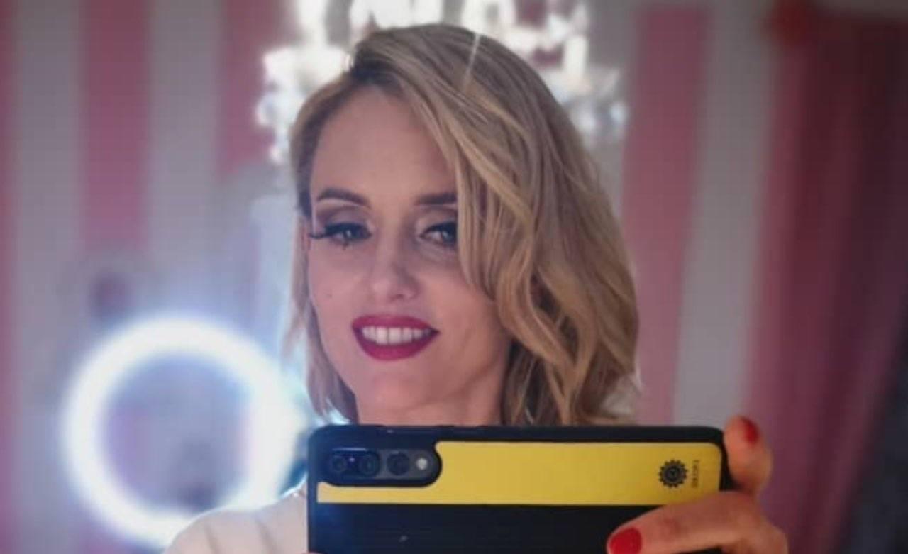 Justine Mattera da urlo: il saluto in perizoma è più sexy che mai