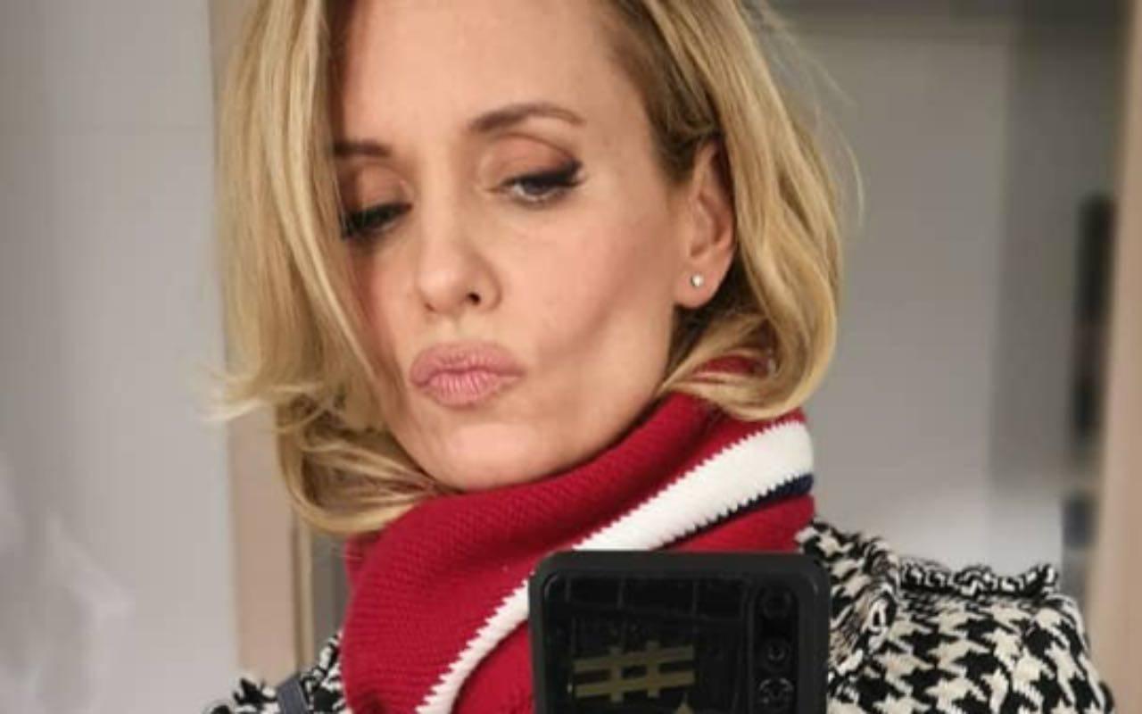 Justine Mattera wonder woman: super sexy a stelle e strisce