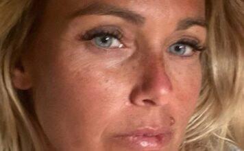 Sonia Bruganelli sotto attacco, il regalo Vuitton non piace: Vergogna!