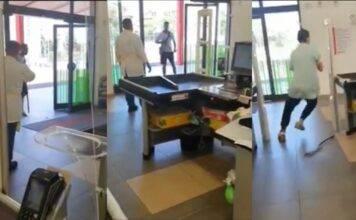 Cagliari: un immigrato terrorizza l'intero supermercato – VI