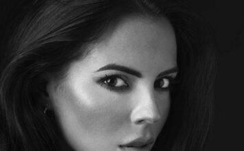 Shaila Gatta, la velina fa impazzire il web col vestito tras