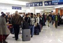 Lasciata in aeroporto 26 anni fa: l'appello sul web per ritrovare i genitori