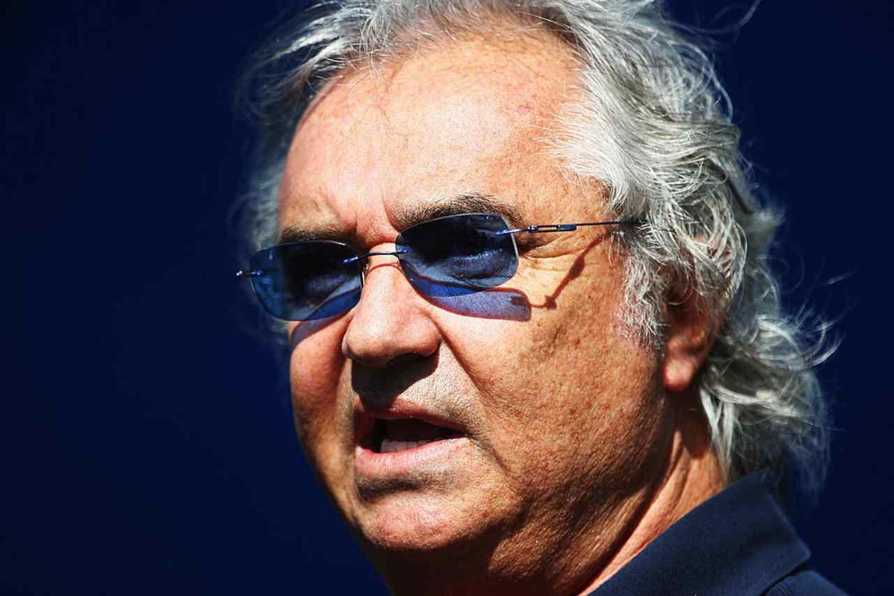 Selvaggia Lucarelli attacco durissimo a Elisabetta Gregoraci: