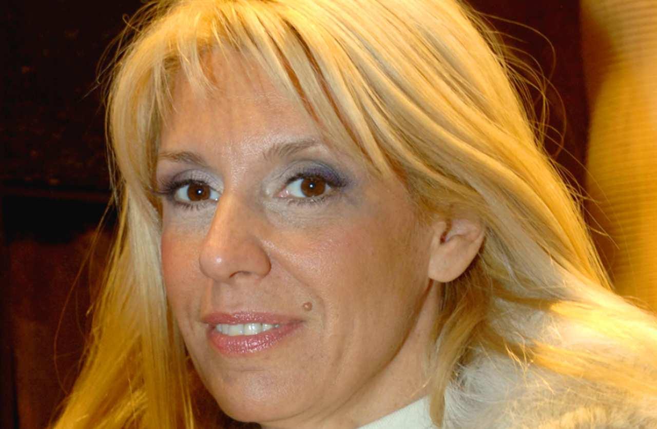 """Maria Teresa Ruta, l'ex del compagno shock: """"bugie, abbiamo un figlio"""""""