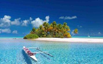 Pacifico, naufraghi dispersi su un'isola deserta: come si sono salvati