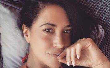 Claudia Ruggeri in slip e reggiseno in pizzo | fa perdere il fiato | FOTO