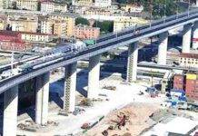 Genova, il ponte riapre: automobilisti si fanno i selfie