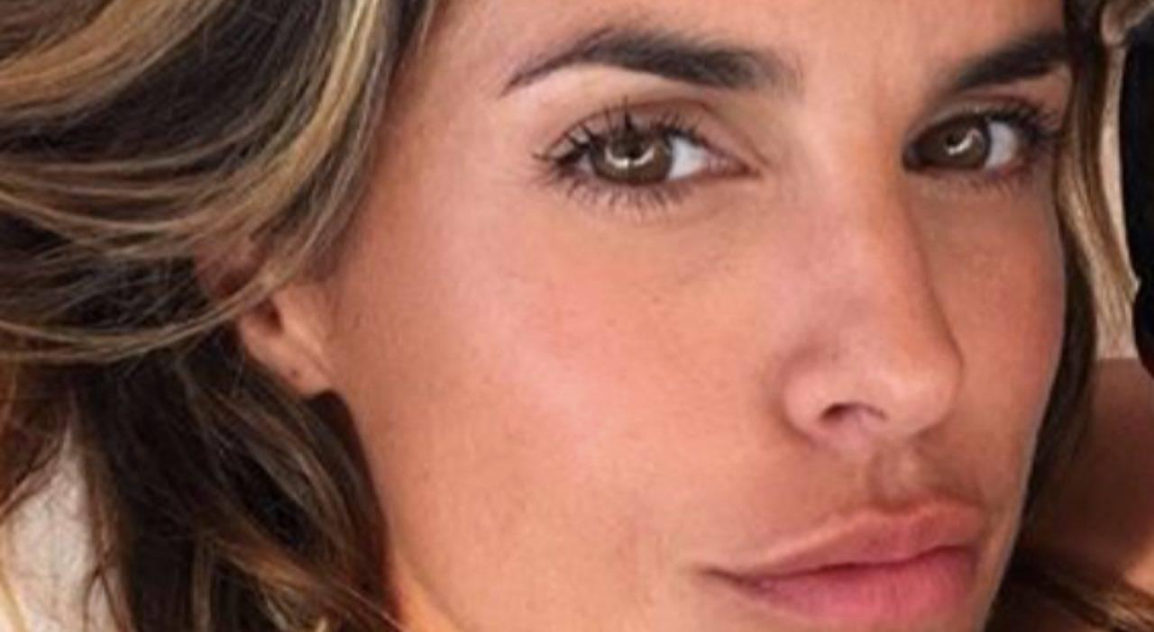 Elisabetta Canalis, torna bambina e 'trasforma' la foto in un dipinto