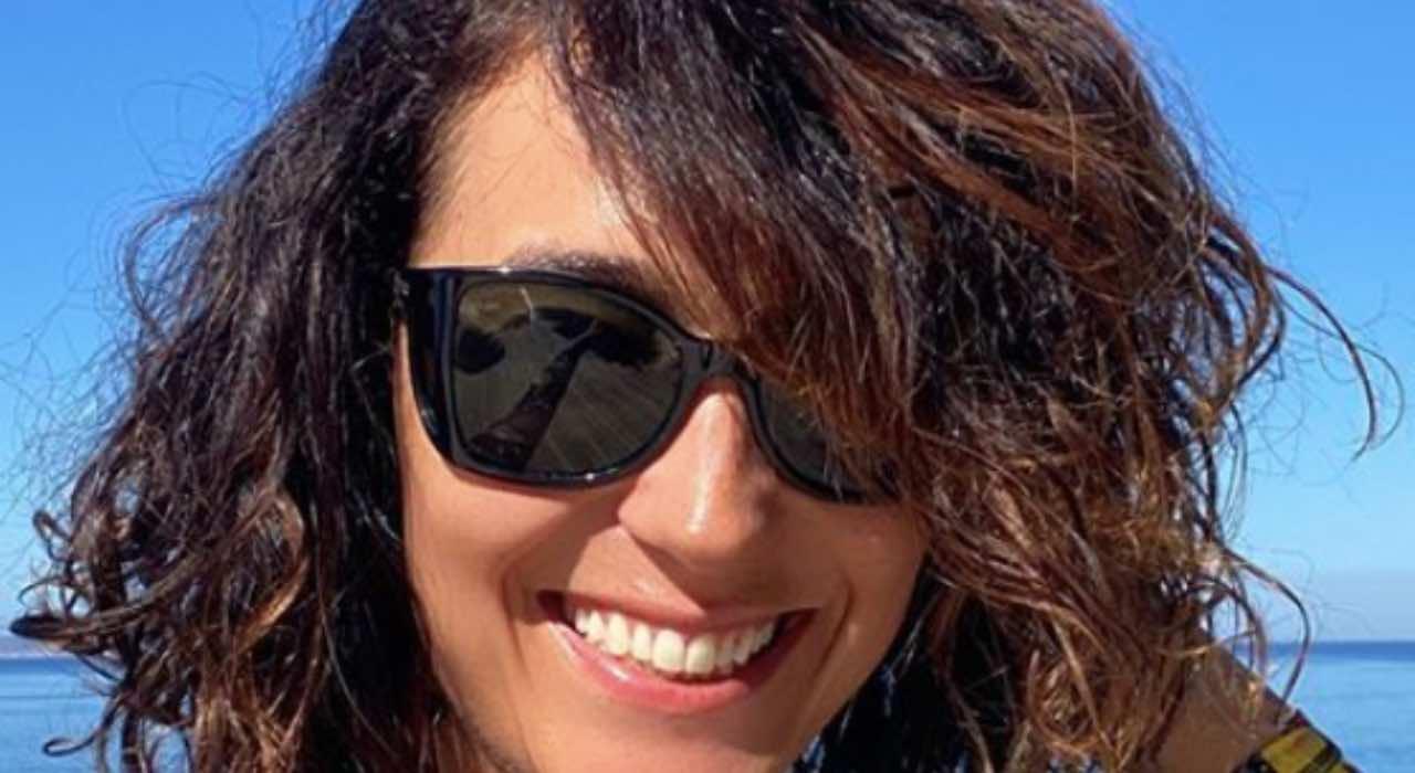 Caterina Balivo, fisico da urlo ma col trucco: scommessa persa?
