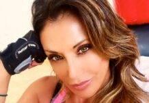 Sabrina Salerno bikini caliente: Spagna e Italia ai suoi piedi
