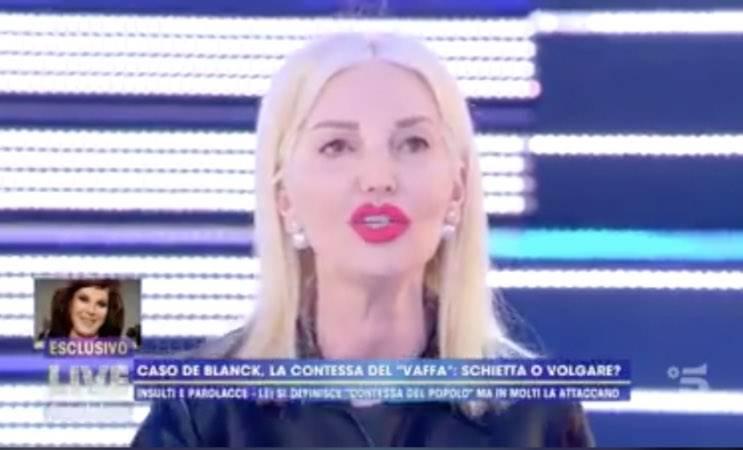 """Patrizia De Blanck, attacco dalla marchesa d'Aragona: """"Cattivo gusto"""""""