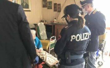 Nonnina con il fiuto da poliziotta incastra la sua truffatrice: il VIDEO