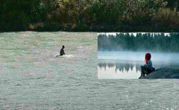 Il padre che ogni giorno cercava la figlia nel fiume: ritrovato il corpo della ragazzina