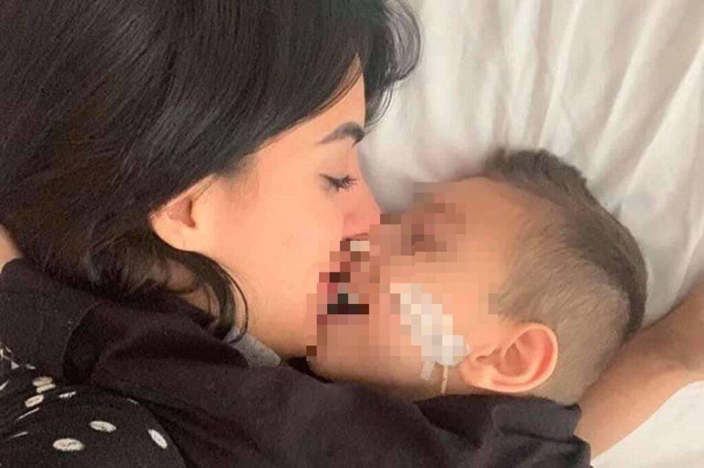 """""""Mio figlio è cieco e paraplegico, ma tutti pensano a giudicare me"""", lo sfogo di Veronica"""