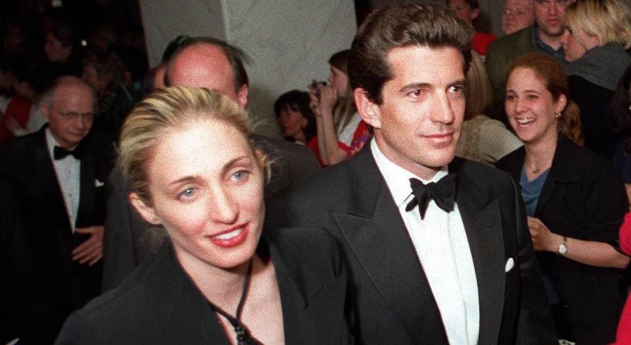 John F. Kennedy Jr e Carolyn Bessette, la tragica morte del figlio del Presidente