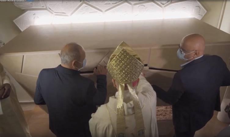 Carlo Acutis, tomba aperta ad Assisi: toccanti foto del prossimo beato