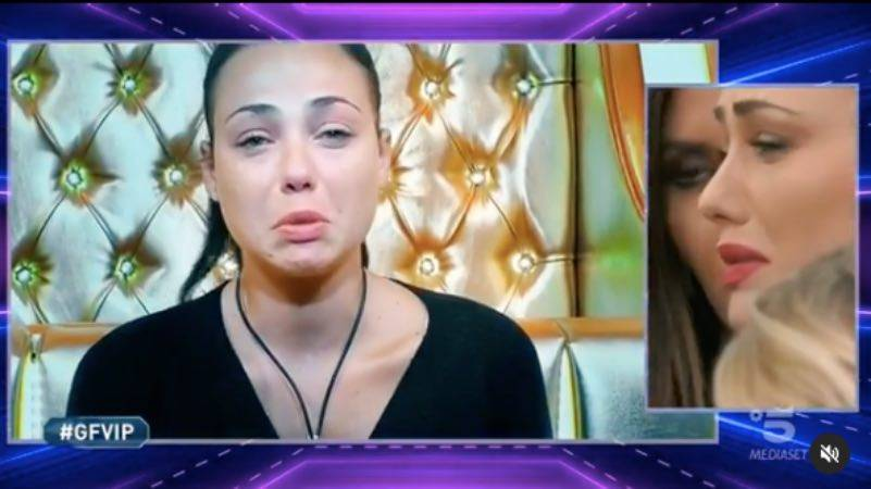 """Adua Del Vesco vuota il sacco: """"vivevo una vita che non era mia"""""""