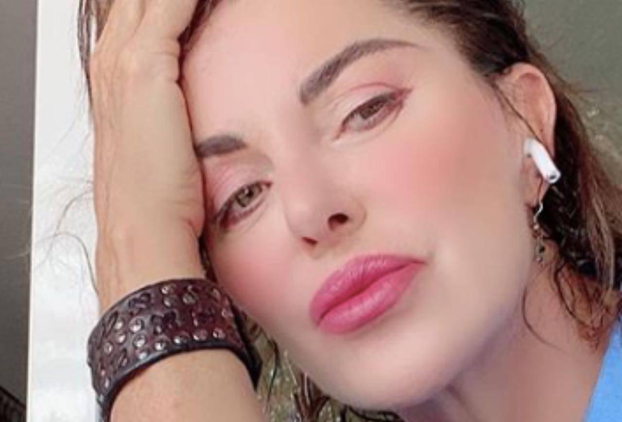 Alba Parietti straziata dal lutto: toccante addio al suo principe