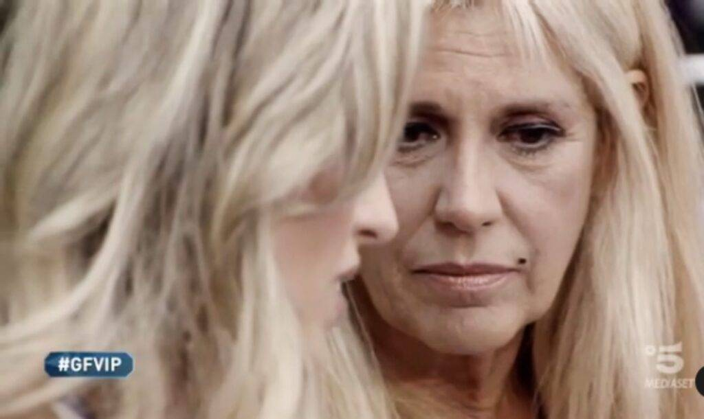 Maria Teresa Ruta: le lacrime per la mamma che non vive abbastanza