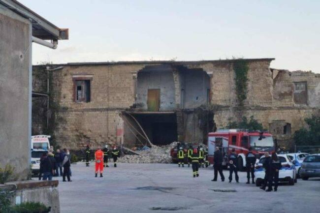 Napoli: crolla una palazzina, potrebbero esserci morti e feriti