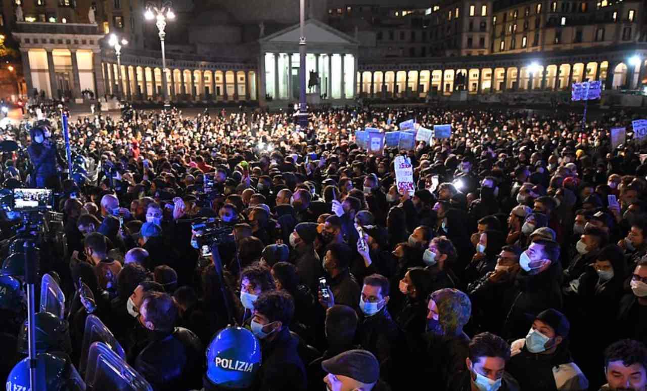 Regno Unito, reazioni proteste italiane