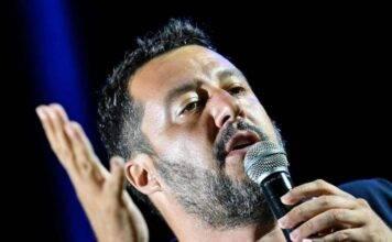 """Matteo Salvini al Governo: """"Fate passare il Natale in famiglia agli italiani"""""""
