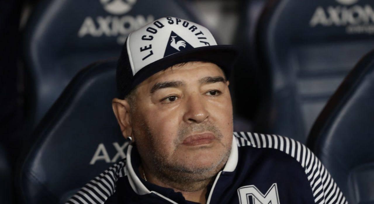 """Selfie con Maradona nella bara: """"chiedo rispetto e perdono"""""""