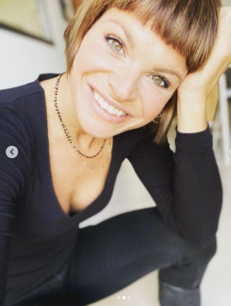Maria De Filippi a sorpresa: si 'regala' questa amata cantante?
