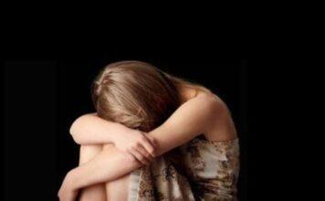 Sola al buio, 21enne violentata dal branco: nessuno l'ha soccorsa