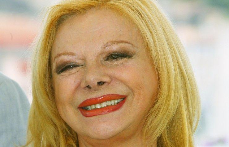 Maurizio Costanzo difende Sandra Milo: il conduttore infuriato