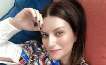 Laura Pausini, scatto dal passato: auguri che scaldano il cuore