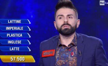 L'Eredità, Flavio Insinna si collega con un ospite nell'anteprima del quiz show