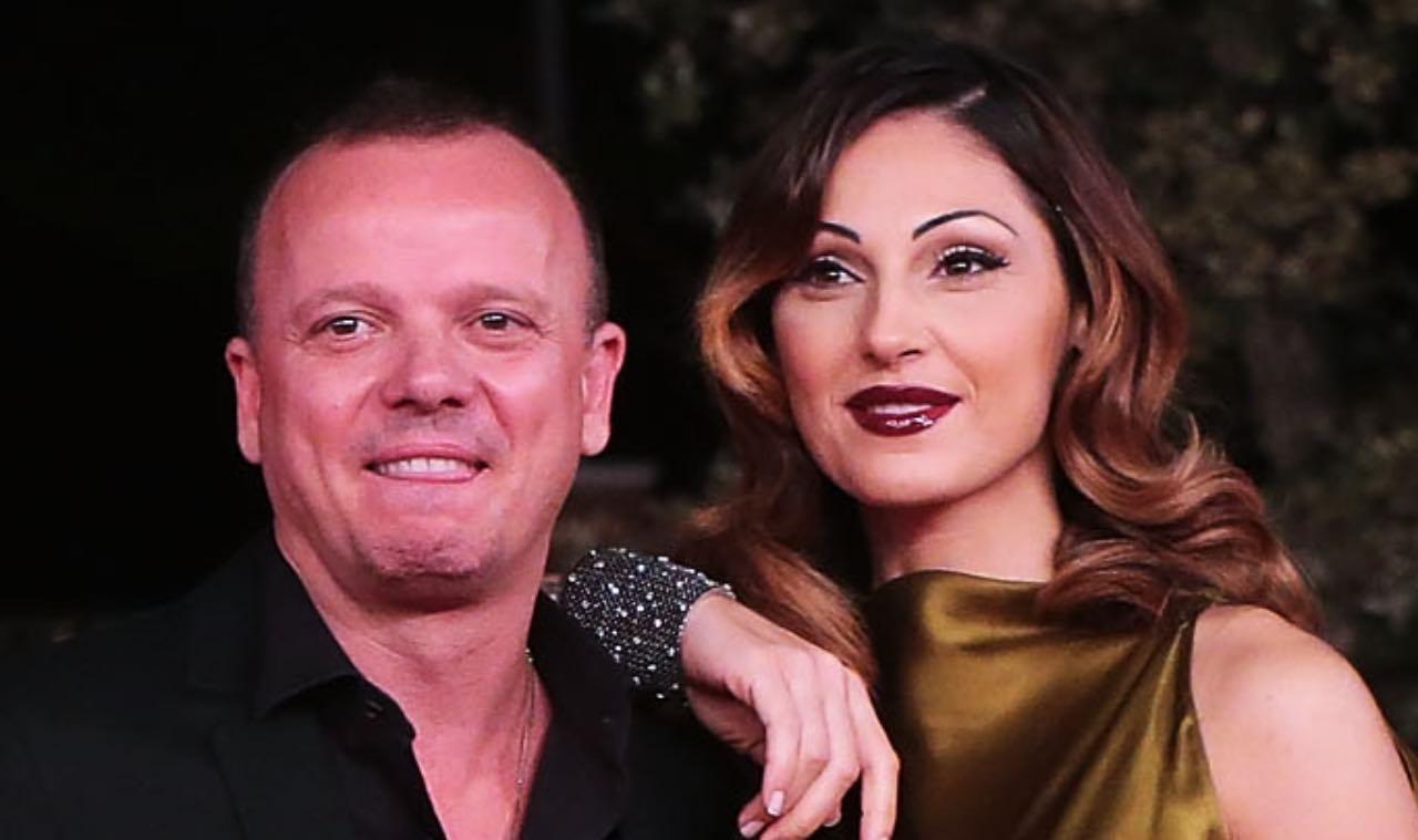 Gigi D'Alessio fidanzato con una fan? L'indiscrezione fa scoppiare il gossip