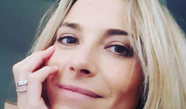 """Francesca Fialdini, ringraziamenti e dedica: """"ce la sto mettendo tutta"""""""