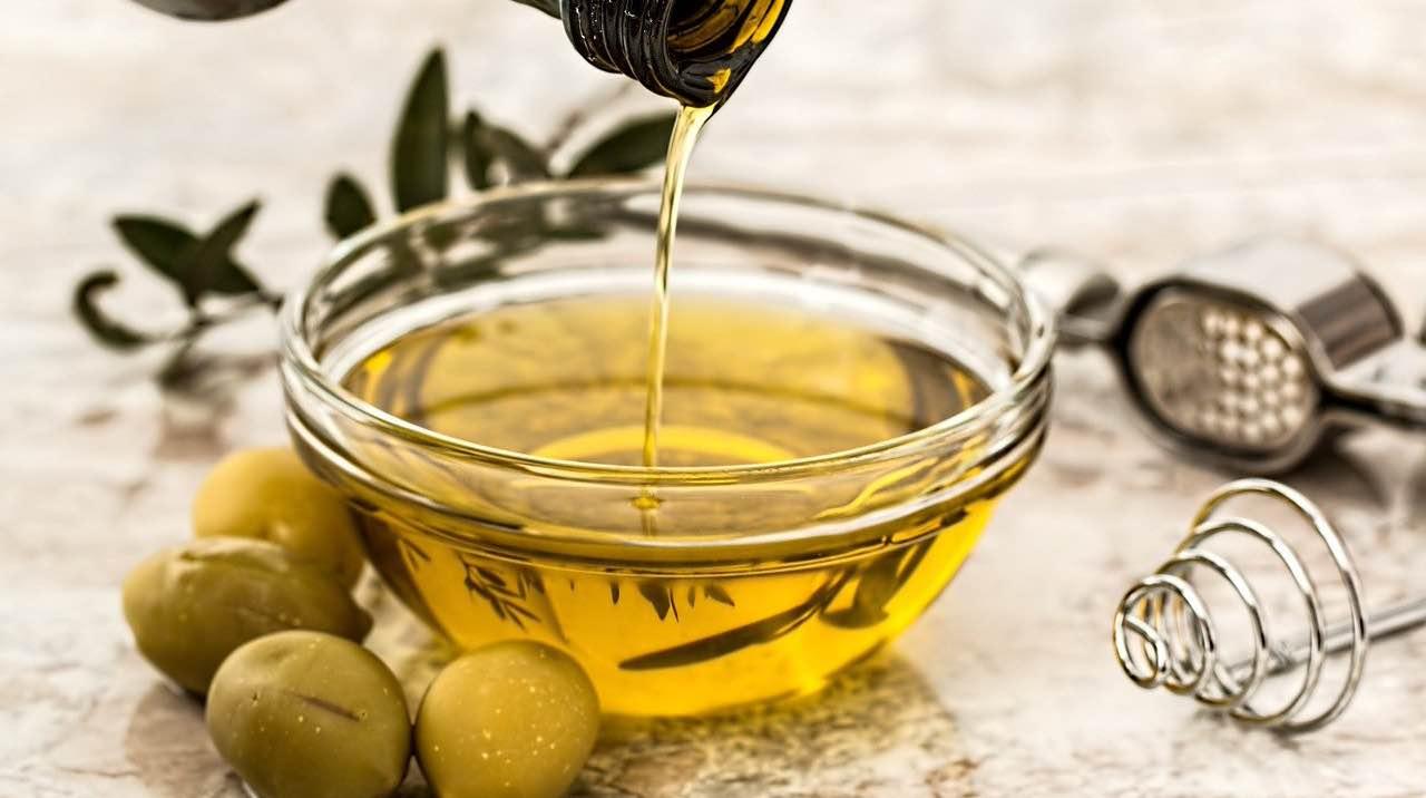 Olio d'oliva e limone, conosci i reali benefici? Scopriamoli!