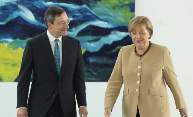 Mario Draghi e Angela Merkel (Getty Images)