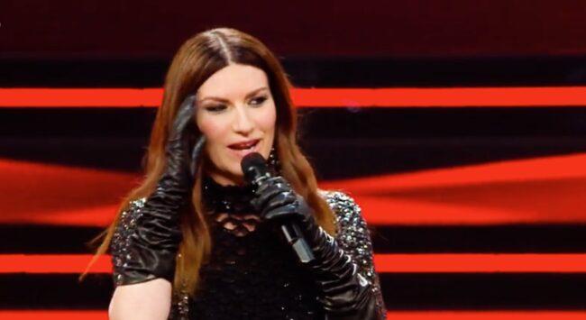 Sanremo 2021, Laura Pausini sul palco come nel lontano 1993