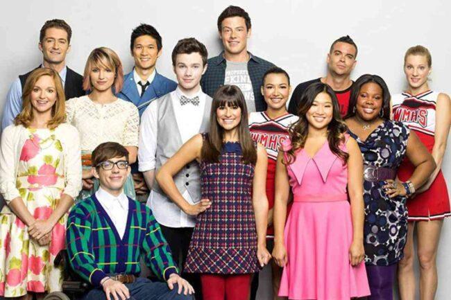 Cast Glee (Google Images)
